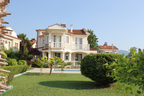 Detached villa with pool for sale in Fethiye Calis